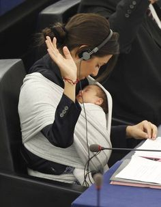 #Babywearing in Parliament ... If I could wear Olivia all day everyday in my #ergobaby I would. That would be my #idealmothersday ...even to work.