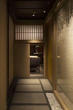 事例画像2 Japanese Restaurant Design, Japanese Interior Design, Restaurant Interior Design, Interior Lighting, Luxury Interior, Japanese Spa, Zen Interiors, Tatami Room, Yoga Studio Design