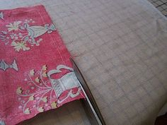n' stitches designs: Lined Purse with Zipper Tutorial Easy Sewing Projects, Quilting Projects, Sewing Tutorials, Tutorial Sewing, Dress Tutorials, Bag Patterns To Sew, Quilt Patterns, Sewing Patterns, Coat Patterns