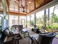 Largest Screened Porch on the Lake, Bikes, Chairs, Beach Toys, Baby Gear