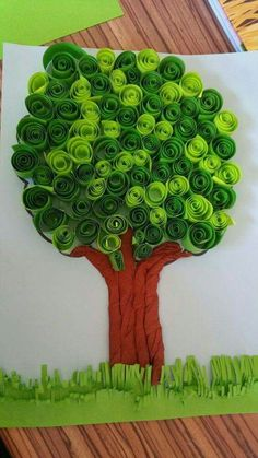 How to make DIY paper tree? - Do you enjoy doing different things or making things that attracts you by yourself. If yes then have you ever tried making a paper tree? Preschool Crafts, Kids Crafts, Diy And Crafts, Spring Crafts For Kids, Diy For Kids, Bulletin Board Tree, Earth Day Crafts, Paper Tree, 3d Paper