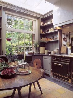 Windows galore = tons of natural light in this kitchen.