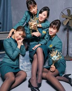 屌長榮空姐 Beautiful Legs, Beautiful Asian Girls, Airline Uniforms, Fashion Tights, Girls Uniforms, Pantyhose Legs, Hot Brunette, Sexy Stockings, Flight Attendant