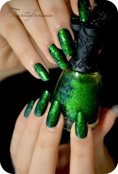 Nfu Oh # 56 - Green Flakies   #nailpolish