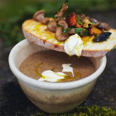 Jamie Oliver's paddenstoelenroomsoep Jamie Oliver, I Love Food, Camembert Cheese, Tapas, Foodies, Vegetarian, Lunch, Fresh, Eat