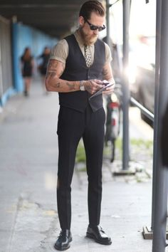 suitboss:   It's a great look…More suit inspiration right here….   Your Style - Menwww.yourstyle-men.tumblr.com
