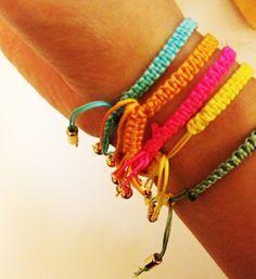 neato! bonito: DIY: macrame bracelets