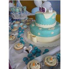 É o que temos pra hoje! Festa tema Frozen na escola. Doces e bolos da Doce Meu. #docegoiania #frozen #festagoiania #docemeu #tortas