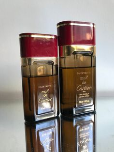 Must de CARTIER SET of 2 in their original leather cases Used Vintage Eau de toilette 30 ml ( apr full ) Eau de toilette 50 ml ( apr full ) original formula discontinued rare fragrance First Edition Perfume Scents, Perfume Oils, Perfume Bottles, Parfum Musc, Cosmetics & Perfume, Vintage Perfume, Leather Case, Nike Shoes, Exercises