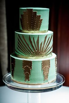 The Ultimate Wedding Cake Roundup: 100 Showstopping Sweets A wedding cake like this romantic, gilded version is sure to make the entire room sparkle — and who doesn't want that on their wedding day? Wedding Color Schemes, Wedding Colors, Green Wedding, Wedding Day, Gourmet Cakes, Traditional Indian Wedding, Popsugar Food, Glass Slipper, Celebrity Weddings