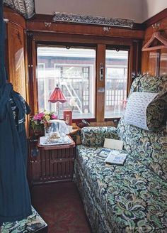 Daytime Cabin Set-up on the Orient Express Simplon Orient Express, Trains, Vogue Living, Ways To Travel, Train Rides, Travel Images, Train Travel, World Traveler, Train Station