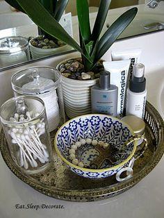 Simple and Stylish Tray Organizer | DIY Easy Organization for Bathroom by DIY Ready at http://diyready.com/organization-hacks-bathroom-storage-ideas/