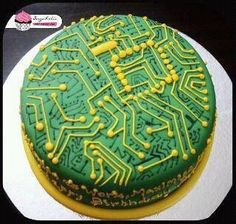 Circuit Board Cake - Perfect groom's cake for a computer geek Cupcakes, Cake Cookies, Cupcake Cakes, Beautiful Cakes, Amazing Cakes, Engineering Cake, Electrical Engineering, Systems Engineering, Computer Cake