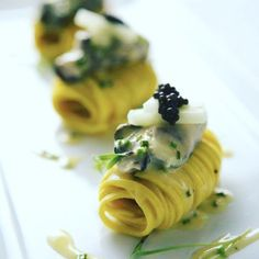 Elegant & unique pasta course presentation - rolled up- for dinner parties, great ideas Gourmet Recipes, Cooking Recipes, Gourmet Appetizers, Elegant Appetizers, Gourmet Foods, Gourmet Desserts, Plated Desserts, Creative Food, Creative Ideas