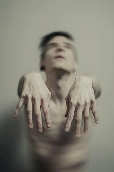 Creepy Portrait Photography by Manuel Estheim http://www.cruzine.com/2013/05/14/creepy-portrait-photography-manuel-estheim/