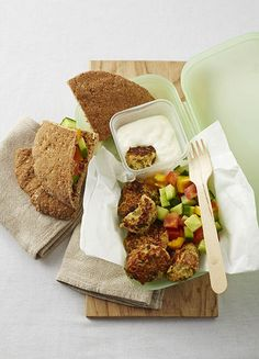 We've done the hard work for you and found 25 healthy lunchbox ideas for kids to eat, from reinvented sandwiches to easy bread-free meals and tasty treats. Yummy Treats, Yummy Food, Butter Beans, Easy Bread, School Snacks, Vegetarian Recipes, Spicy, Lunch Box, Tasty