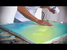 Démonstration de peinture abstraite (1) - Abstract painting - fond en acrylique - YouTube