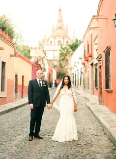 San Miguel de Allende Wedding from Emily Scannell Photography  Read more - http://www.stylemepretty.com/2012/08/31/san-miguel-de-allende-wedding-from-emily-scannell-photography/