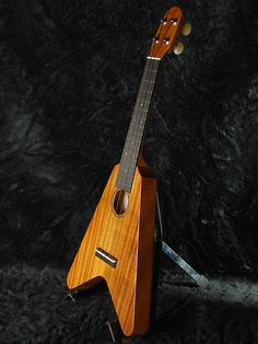 A Flying V uke? Awesome!
