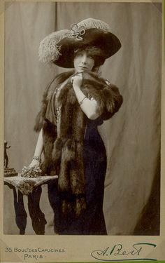 Legendary stage actress Sarah Bernhardt