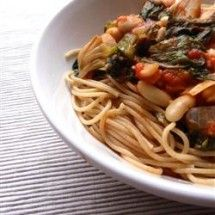 Meatless Main Dishes: Penne Pasta with Cannellini Beans and Escarole