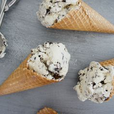 With Irish cream liqueur AND chocolate biscuits, it's no wonder this Cookies and Cream Ice Cream is rated 5 stars.