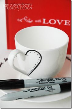 Another really simple idea for a DIY #Valentine's gift with a mug and a sharpie pen - especially if you're not too arty! Just bake the mug at 350F or 170C for 30 mins  you're done!