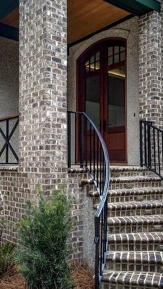 Old Savannah (Tumbled) – Daniel Brick Stone Exterior Houses, House Exteriors, Grey Brick, Brick And Stone, Exterior Siding Options, Types Of Bricks, Queen, Dream Homes, Backyard Landscaping
