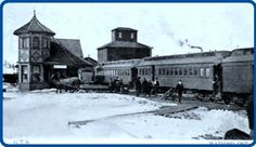 WATFORD , Ontario - Grand Trunk Railway station vintage pc
