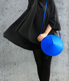 Circle Bag | by IF irinaflorea | geometric | minimalist | leather | blue  | https://www.facebook.com/irinafloreadesign/
