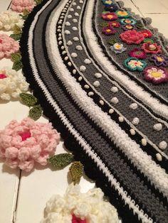 Een persoonlijke favoriet uit mijn Etsy shop https://www.etsy.com/nl/listing/496538828/crocheted-shawl-wrap-croche-gehaakte