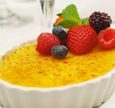 Ruth's Chris Steakhouse Have you ordered our delicious Creme Brulee? The classic egg custard topped with fresh berries and mint. Ruth Chris Steak, Cream Brulee, Brulee Recipe, Seasonal Food, Dessert Recipes, Desserts, Dessert Food, Restaurant Recipes, Sweet Recipes