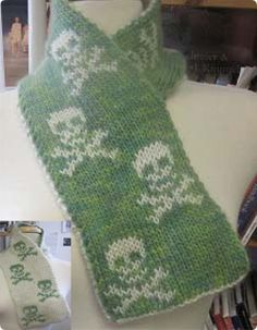 1000+ images about KNIT COWLS AND SCARVES on Pinterest ...