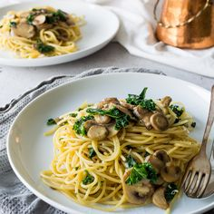 The time between Christmas and New Year is often not relaxing. We're busy catching up with everyone we want to see, and some of us still have to go to work. Now is the time to reach for the easy, simple dinners. That's where this one pot kale, mushroom and garlic spaghetti comes in. Mushrooms …