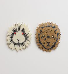 動物顔花ブローチ