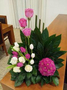 Pin by Melinda ZA on Flower Arrangements Creative Flower Arrangements, Tropical Flower Arrangements, Modern Floral Arrangements, Funeral Flower Arrangements, Silk Arrangements, Beautiful Flower Arrangements, Unique Flowers, Beautiful Flowers, Altar Flowers