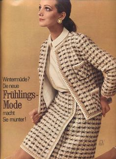 Crochet Jacket Chanel Vintage 69 Ideas For 2019 Tweed Dress, Tweed Jacket, Chanel Style Jacket, Chanel Jacket Trims, Retro Fashion, Vintage Fashion, Formal Dresses With Sleeves, Tweed Suits, Beautiful Suit