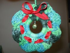 Christmas Wreath Towel Ring & Napkin Ring pattern by Priscilla Hewitt