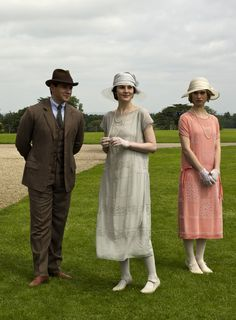 Downton Abbey Series 4 - Allen Leech as Tom Branson, Michelle Dockery as Lady Mary Crawley ad Lily James as Lady Rose MacClare (2013).