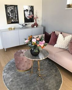 How To Decorate A Grey and Blush Pink Living Room Pink Living Room, Living Room Design Modern, Living Room Designs, Bedroom Decor, Living Room Decor, House Interior, Room Design, Room Decor, Apartment Decor