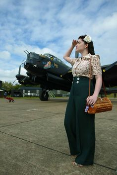 1930s 1940's style green highwaisted swing by fortiesfrocks, $47.50