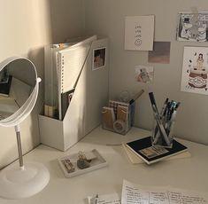 Room Design Bedroom, Room Ideas Bedroom, Bedroom Decor, Korean Bedroom Ideas, Decor Room, Desk Inspiration, Desk Inspo, Study Room Decor, Study Rooms
