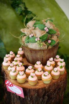 Cupcakes da festa da floresta encantada
