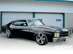 71 Chevelle.  We used to own one of these....same color, everything........