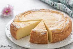 Migliaccio napoletano ricetta originale: un dolce napoletano tipico di Carnevale e Pasqua. La famosa torta di semolino e ricotta, cremosa e profumata ! Da non perdere !