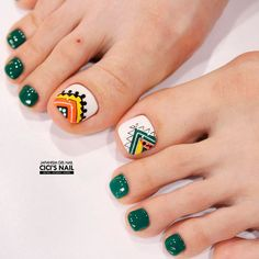 Green Tribal Toe Nails To Complete Your Wild Look Toe Nail Art, Gel Nail, Feet Nails, My Nails, Hair And Nails, Pedicure Designs, Toe Nail Designs, Art Designs, Summer Nail Art
