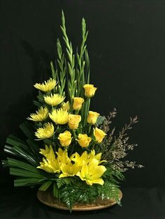 Most current Pic simple Funeral Flowers Suggestions Regardless of whether that you are organizing or perhaps participating in, memorials are invariably your sad a. Modern Floral Arrangements, Creative Flower Arrangements, Funeral Flower Arrangements, Beautiful Flower Arrangements, Altar Flowers, Church Flowers, Funeral Flowers, Flowers Garden, Remembrance Flowers