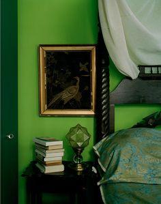 Home decor 22 Modern Storage Ideas Maximizing Living Room Design Home Decor Home Decor white Green Bedding, Bedroom Green, Bedroom Wall, Green Rooms, Green Interior Design, Beautiful Interior Design, Beautiful Interiors, Feng Shui, Living Room Designs
