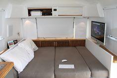 Una pareja ha reformado esta caravana, para vivir en ella, y aquí tenemos la prueba de que no hace falta tener mucho, para vivir bien y al m...