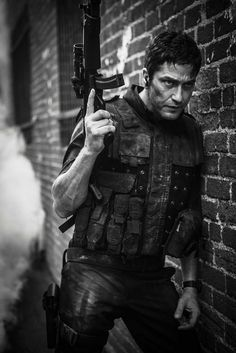 Robert Walker, played by Gerard Butler, returns to the streets of Odessa to take Celine Voss and Progaliss down and to rescue Phoenix Starsong. Gerard Butler Movies, Actor Gerard Butler, Ps I Love, Poster Boys, Ex Machina, Daddy Issues, Men In Uniform, Archetypes, Action Movies